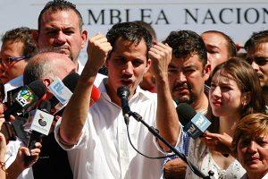 """Venezuela: Protestan contra """"secuestro"""" de opositor Juan Guaidó"""