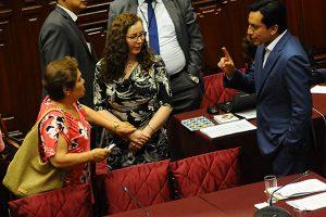 Jurista pepekausa da lecciones de constitucionalidad