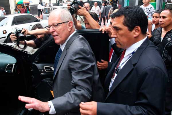 PPK declara ante fiscal José Domingo Pérez