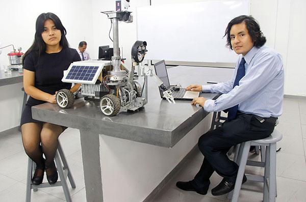 Estudiantes crean robot que podrá rescatar a sobrevivientes de desastres naturales