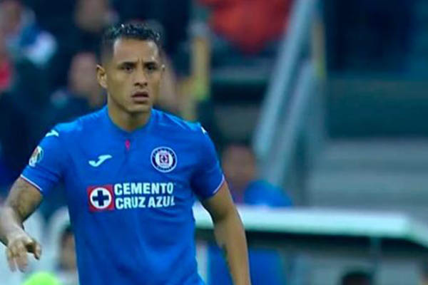 """Yotún: """"Quiero ser campeón con Cruz Azul"""""""