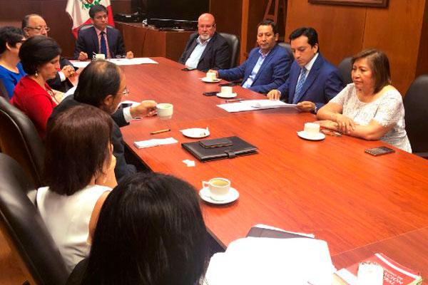 Bancada PpK y Comisión de Alto Nivel para la Reforma Política se reunieron en el Congreso