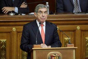 Óscar Arias: Nobel de la Paz rechaza acusación de violación