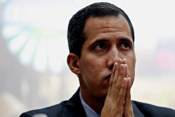 Venezuela: Guaidó ahora sí pide ayuda al Papa