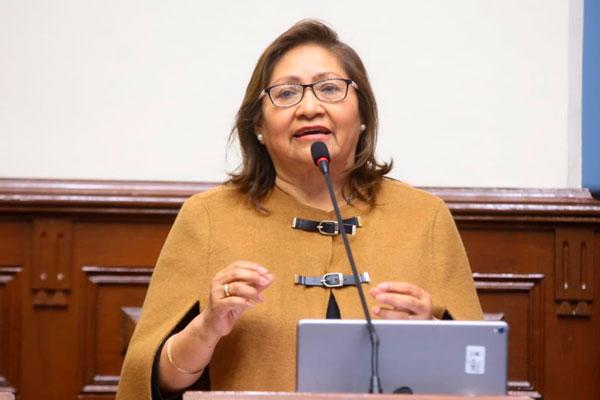 Ana María Choquehuanca: «Yo no voy a pasarme a la oposición»