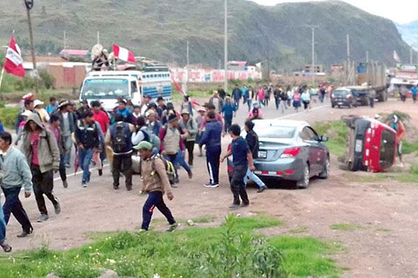 Bloqueo de vías en el Cusco