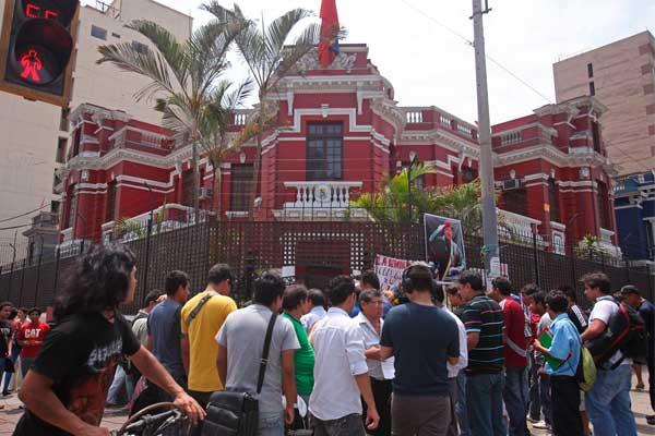 Hugo de Zela: Gobierno peruano cancelará visa a diplomáticos de Venezuela