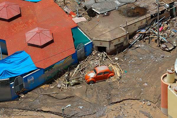 Torrenciales lluvias amenazan departamentos de todo el país