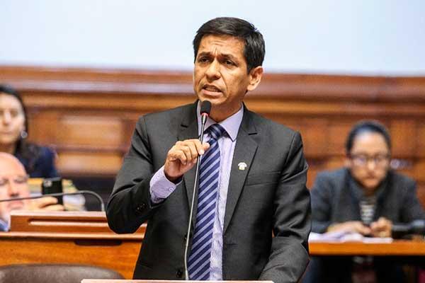 Denuncia penal contra exministro Meléndez