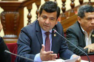 Congreso suspende por 120 días a Luis López Vilela