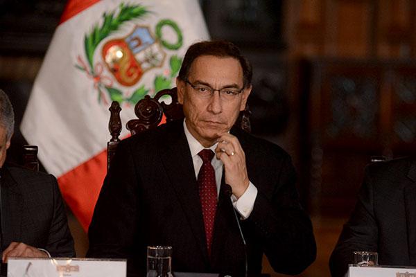 No descartan moción de vacancia contra presidente Martín Vizcarra