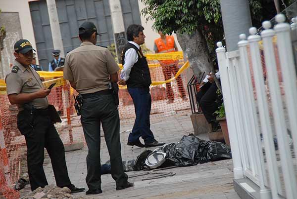 Miraflores: Obrero muere al caer de edificio