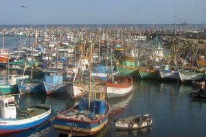 Trabajadores del mar exigen cerrar astilleros informales
