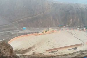 Tacna: Huaico inunda viviendas y estadio del distrito de Ilabaya [VÍDEO]