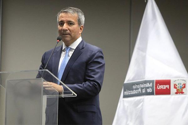 "Raúl Pérez– Reyes: ""El pisco chileno no existe"""
