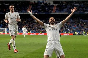 Golazo de Benzema en triunfo agónico del Real Madrid ante el Huesca (3-2)