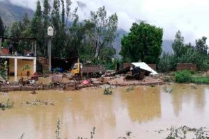 Huánuco: 10 viviendas inundadas por desborde de río en Amarilis [VÍDEO]