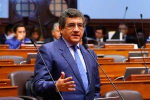 """Juan Sheput afirma que interpelación a ministro Zeballos es """"constitucional"""""""