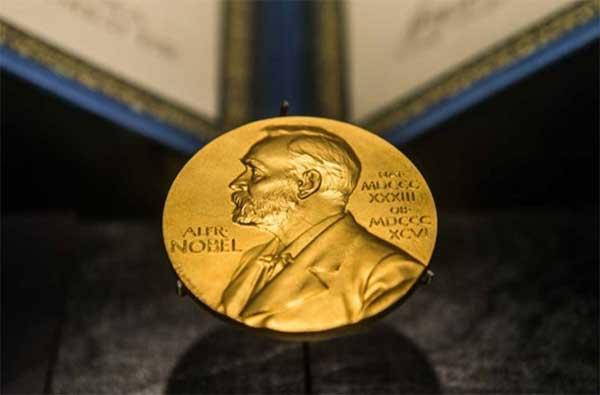 Otorgarán dos premios Nobel de Literatura