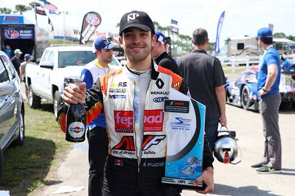 Rodrigo Pflucker lidera campeonato en Estados Unidos