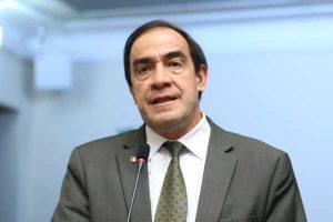 Periodista denuncia a Yonhy Lescano por acoso sexual