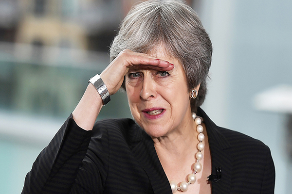 May sopesa cuarta votación de su pacto de salida de UE