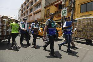 Municipalidad de Lima retira a ambulantes de Mesa Redonda