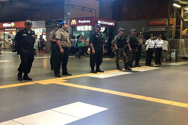 Policía realiza operativo en las estaciones de la Línea 1 del Metro de Lima