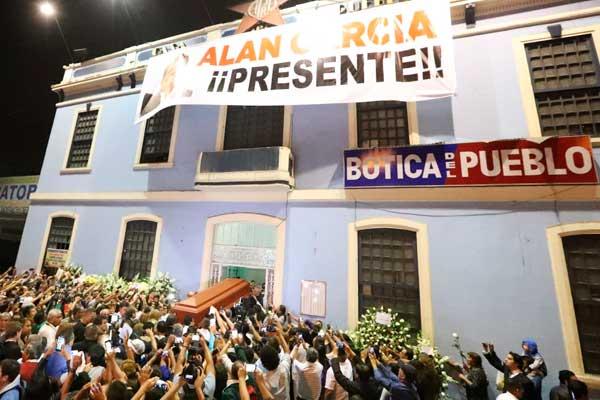 Alan García: Féretro llega a la Casa del Pueblo