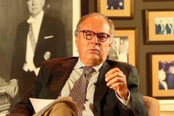 Alfredo Barnechea renuncia a la precandidatura presidencial por Acción Popular