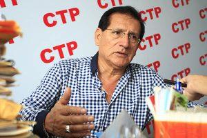 Vizcarra se comprometió a analizar modificaciones a Ley de Competitividad
