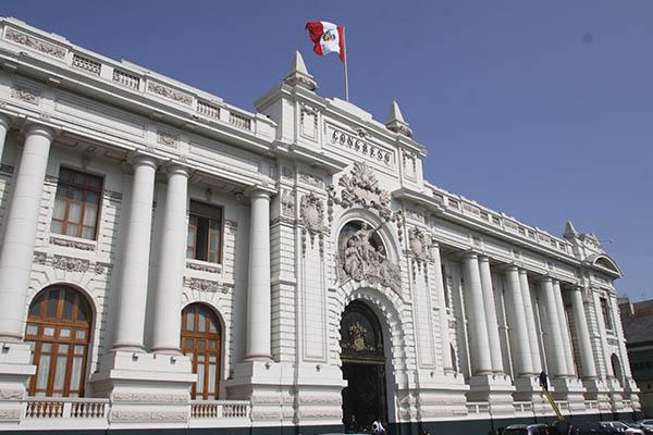 Bancadas presentan solicitud para anular elección de magistrados del TC