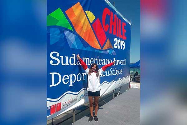 Nadadora Gabriela Ccollcca sube a lo más alto del podio en Chile