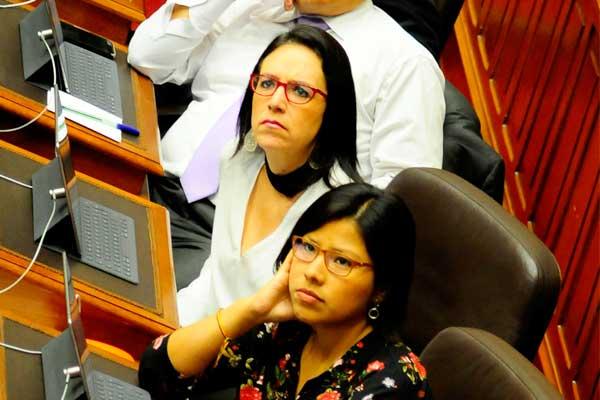 Marisa Glave e Indira Huilca serían citadas por incremento de peajes