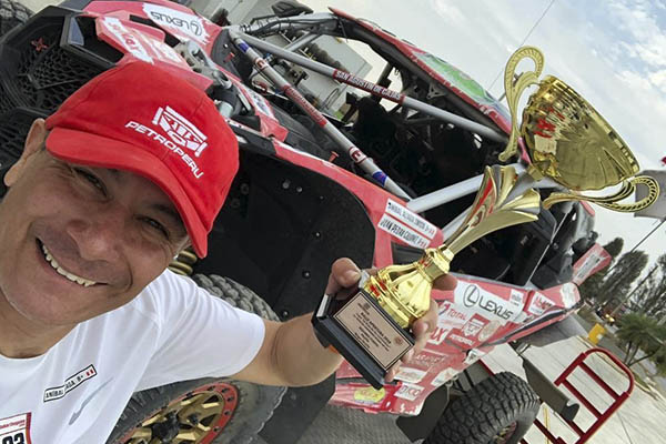 """Piloto """"dakariano"""" sube al podio en el Rally Apertura ACP"""