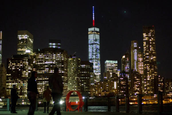 World Trade Center se iluminará en homenaje a Notre Dame