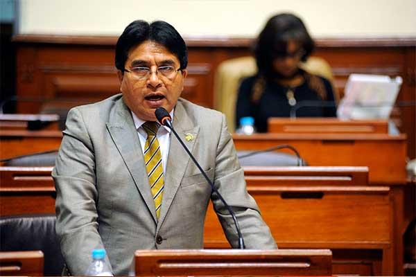 Presidente de Comisión de Transportes pide que se suspendan peajes