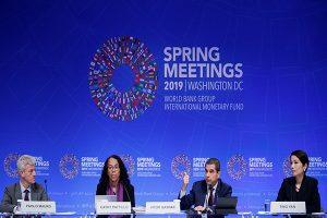 """""""Abrupto"""" ajuste financiero detendría crecimiento mundial"""