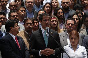Guaidó pide a jóvenes participar en protestas