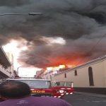 Cercado de Lima: voraz incendio consume edificio en Jr. Cusco | EN VIVO