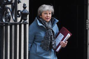 Reino Unido: Theresa May dimite al cargo de primera ministra