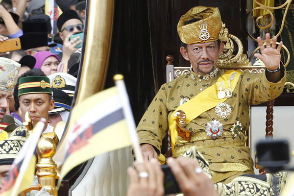 Brunéi: Delitos homosexuales y adulterio serán castigados con mutilación