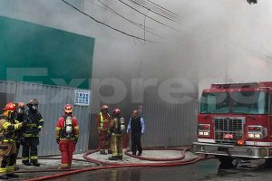 Miraflores: Reportan incendio en el sótano de un edificio en construcción de la Av. Larco [FOTOS Y VIDEO]