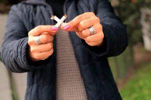 Incidencia de cáncer de pulmón aumenta 23 veces en fumadores, advierte especialista
