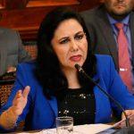 """Gloria Montenegro: """"Yo ya hubiese cerrado el Congreso"""""""