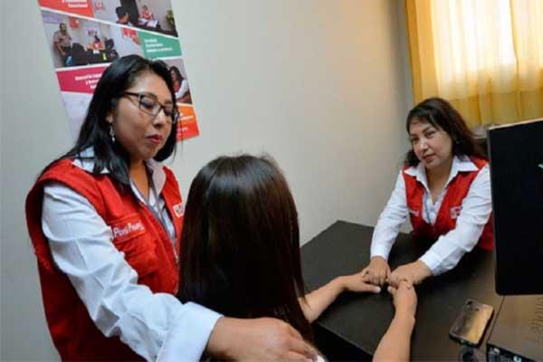 Brindan atención integral a familiares de policía asesinada en Huaraz