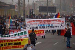 Puente Piedra: Vecinos marchan para exigir la eliminación de los peajes [FOTOS Y VIDEOS]