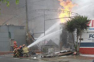 Explosión de taller informal provoca tragedia en SMP
