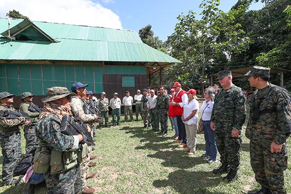 Militares permanecerán años en zona rescatada de la minería ilegal