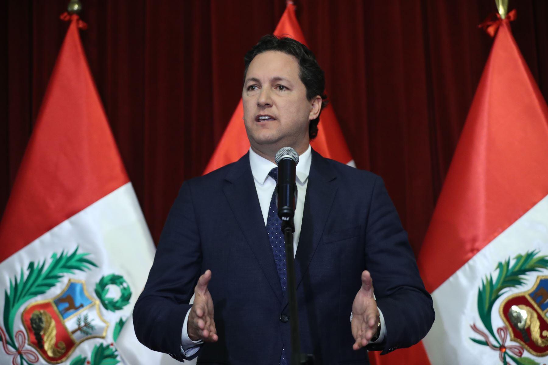"""Salaverry tras reunión con Vizcarra: """"Reafirmamos nuestra voluntad de apoyar reformas políticas"""""""